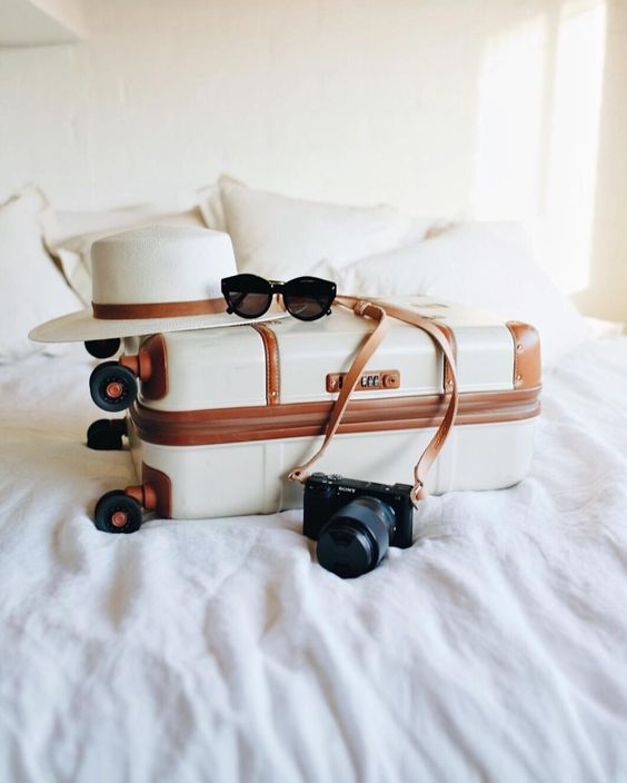 packing_suitcase